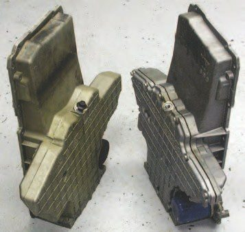 These two Corvette oil pans are identical except the one on the right is a two-piece design, while the pan on the left is the early one-piece pan. Use the two-piece pan as it's easier to clean and check oil pick-up height.