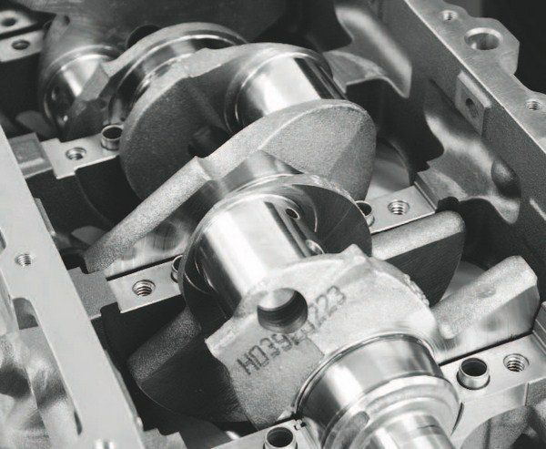 A forged-steel crankshaft from the factory LS7 engine is used, delivering a 4.000-inch stroke that combines with the 4.125-inch bores to give the engine its 427-ci displacement. The LS7 crank has a more common six-bolt flange, rather than the LS9's nine-bolt flange. Although the nine-bolt design delivers theoretically greater clamping strength, the sixbolt flange is more compatible with a variety of flywheels that may be used in the C6RS Corvettes. Premium fasteners are used to ensure the strongest possible connection.